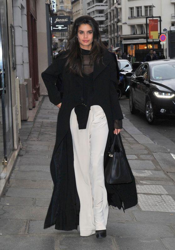 Sara Sampaio Chic Outfit - Arrives at a Photo Studio