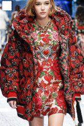 Sarah Snyder - Dolce Gabbana Show Runway on Milan fashion Week, February 2017