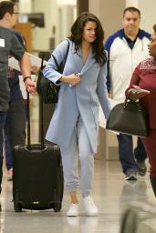 Selena Gomez Travel Outfit - Atlanta Airport 3/1/ 2017