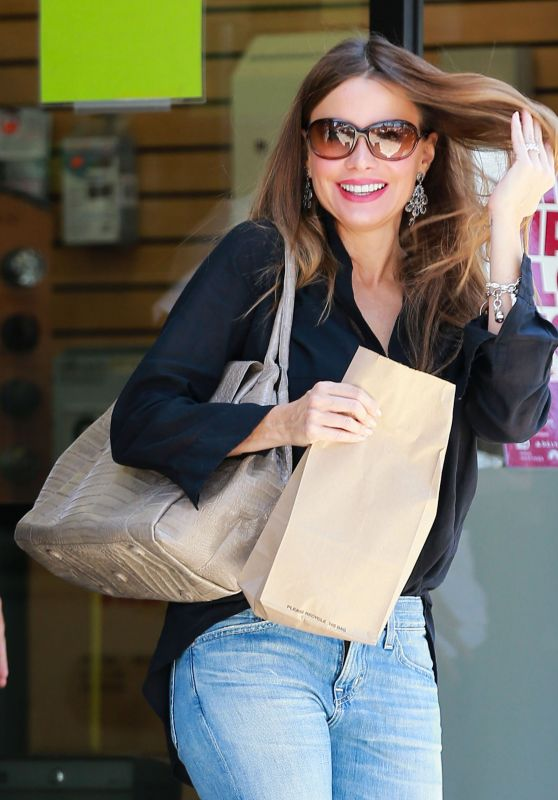 Sofia Vergara - Leaving a Post Office in Beverly Hills 3/22/ 2017