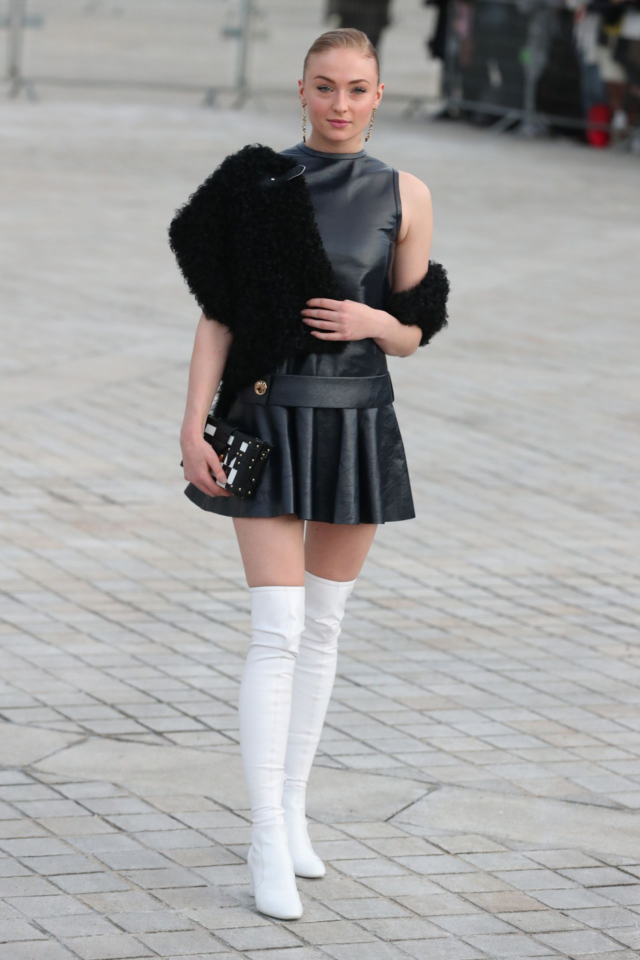 Sophie Turner Attends Louis Vuitton Show Paris Fashion Week 3 7 2017