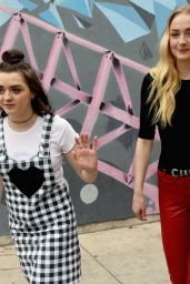 Sophie Turner & Maisie Williams -
