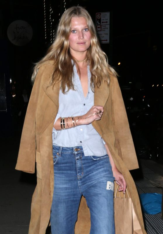 Toni Garrn Casual Look For a Night Out in New York 3/8/ 2017