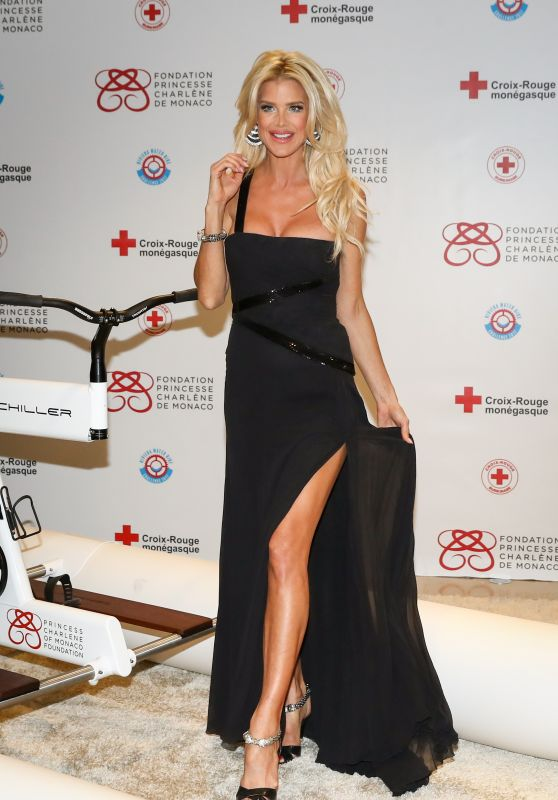 Victoria Silvstedt - Riviera Water Bike Challenge Gala Dinner in Monaco, March 2017
