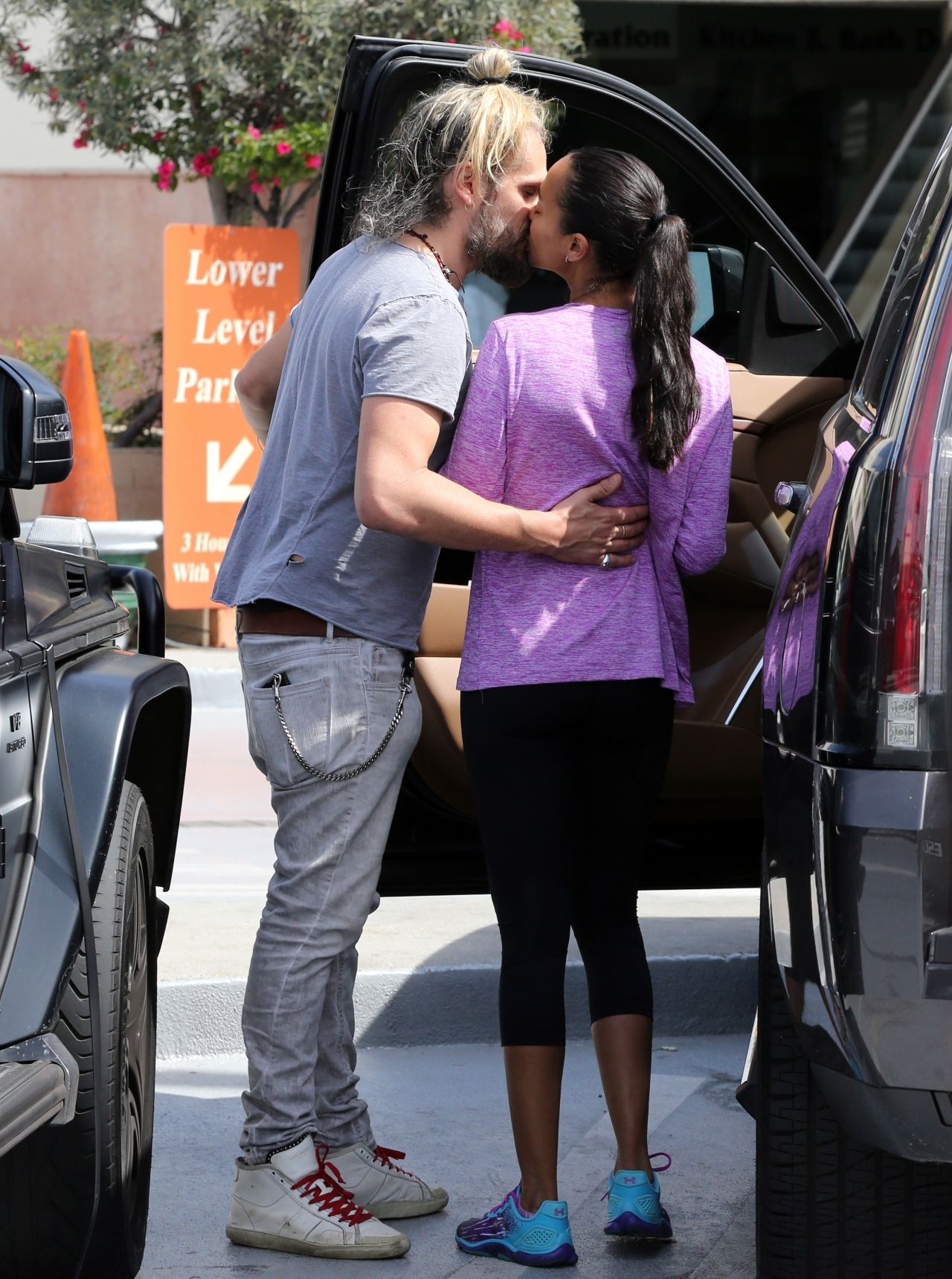 Zoe Saldana And Her Husband Marco Perego Out In Los