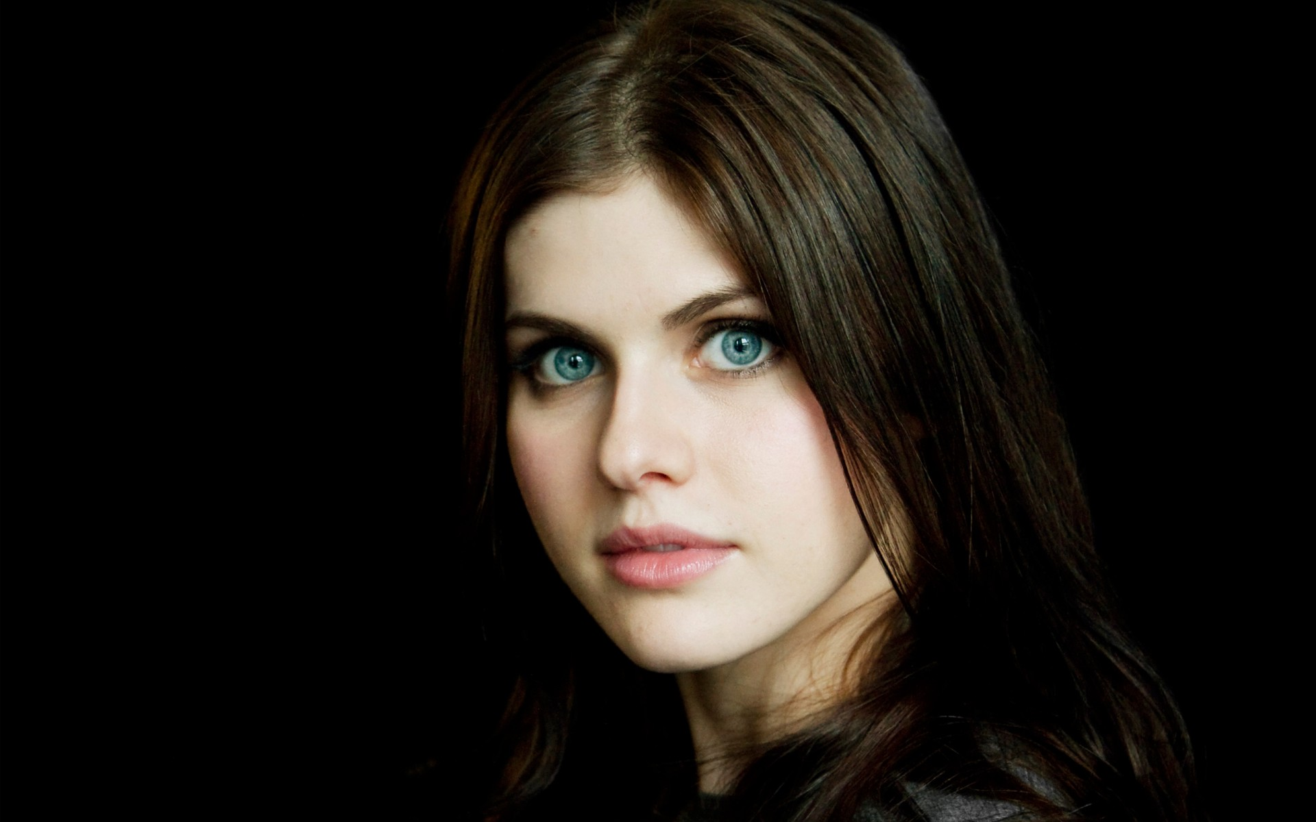 Celebrity Alexandra Daddario - Weight, Height and Age
