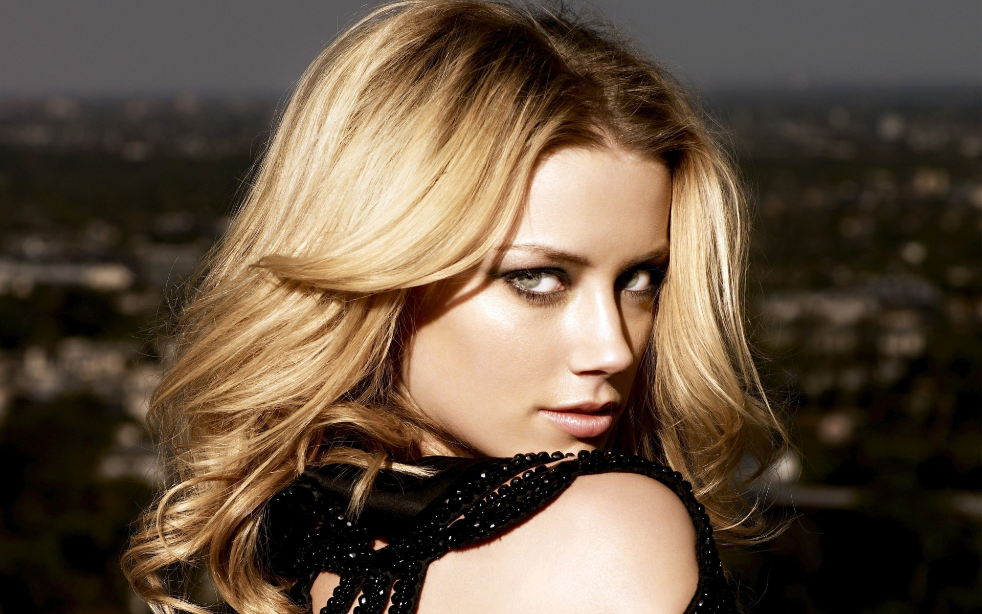 Amber Heard Wallpapers 10-4618