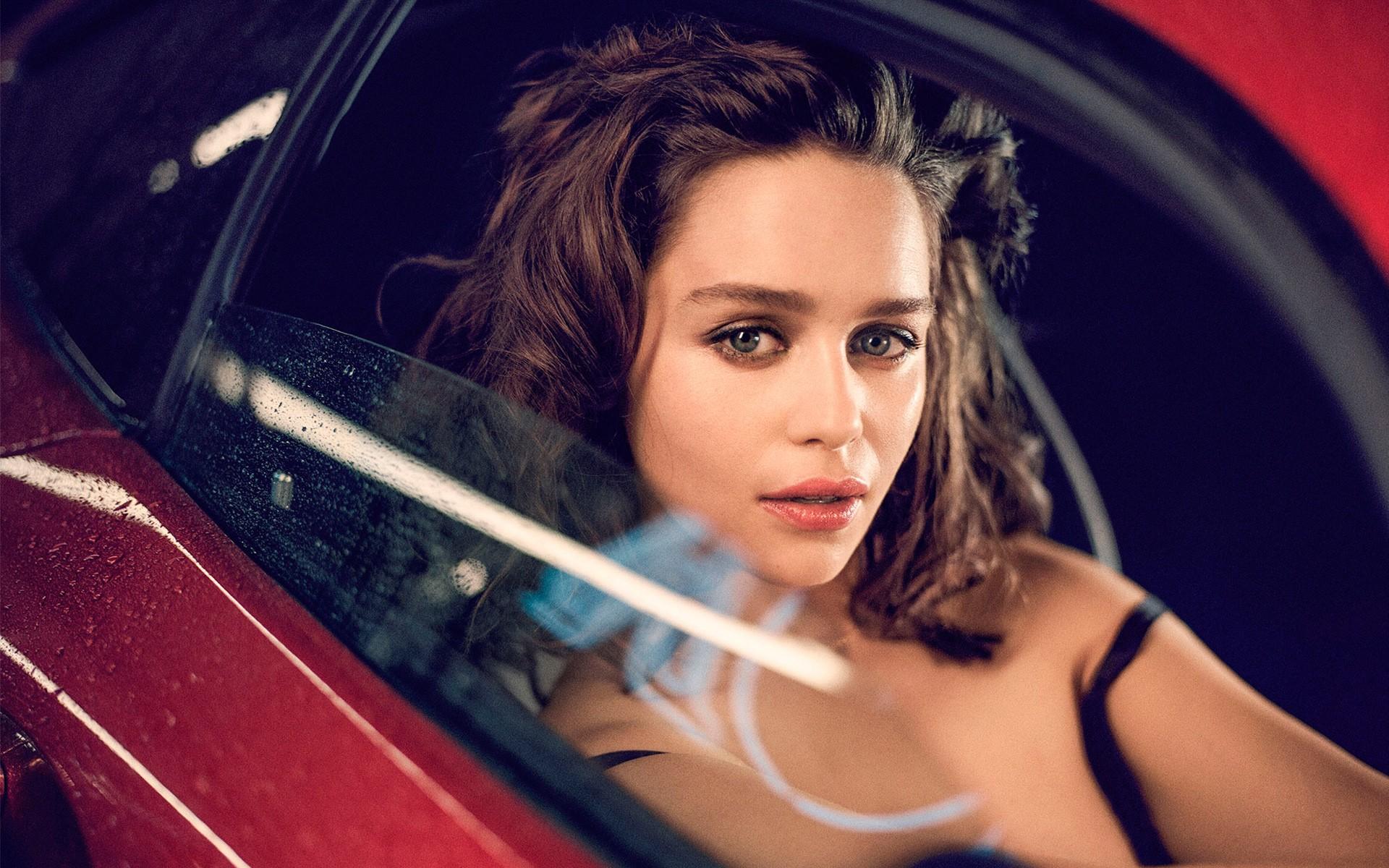 Emilia Clarke Wallpapers 38-7350