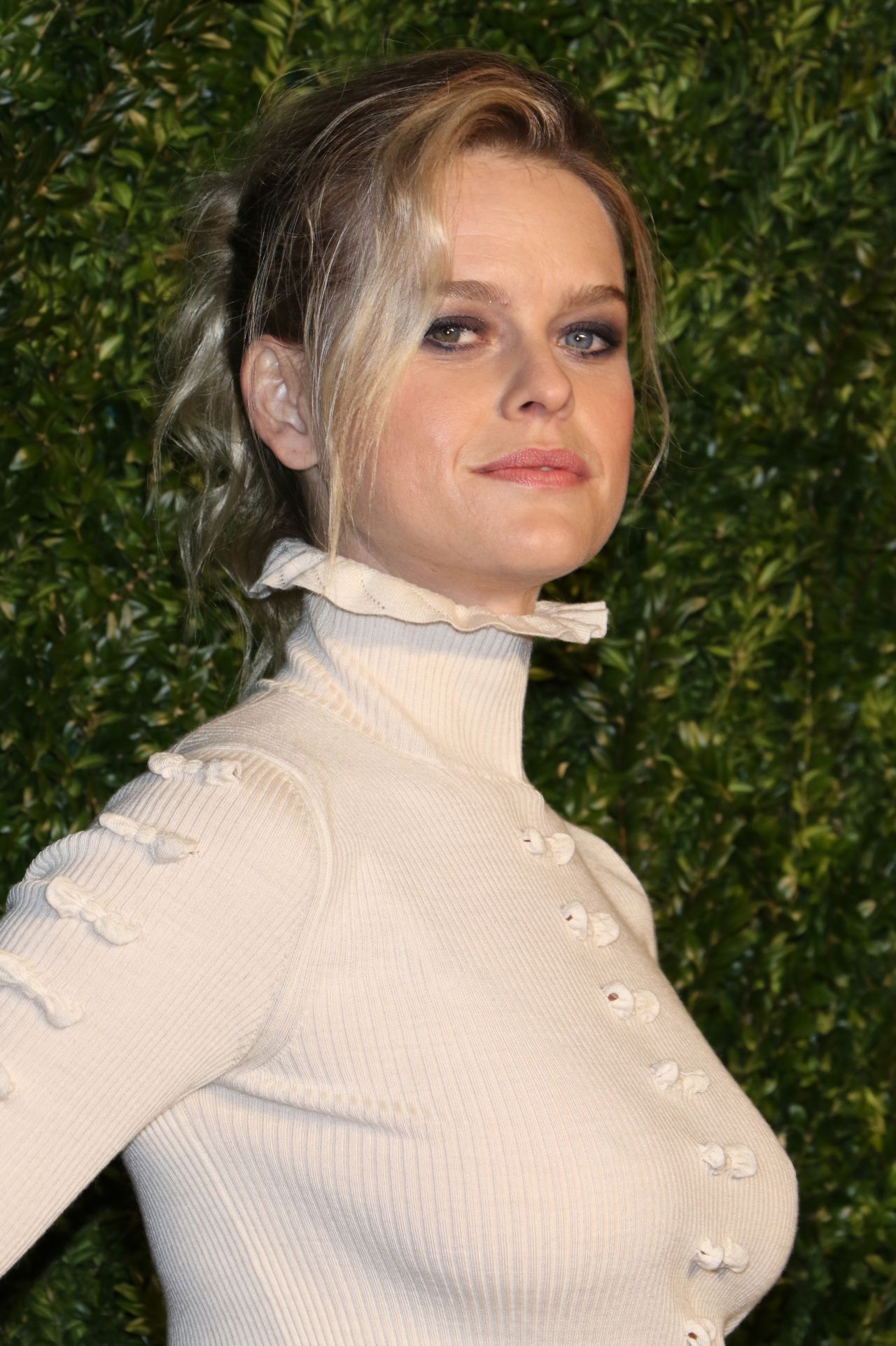 Alice Eve Chanel Artists Dinner At Tribeca Film Festival