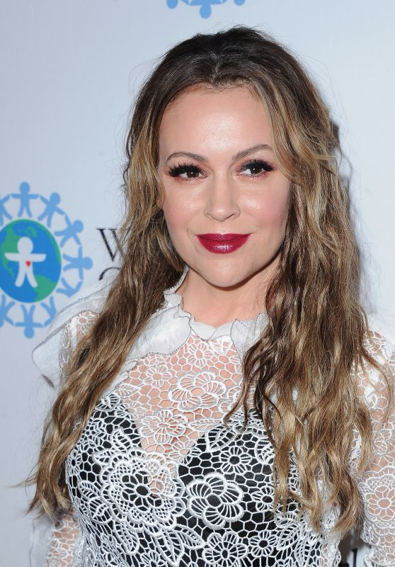 Alyssa Milano - World Of Children Hero Awards 2017 in Los Angeles