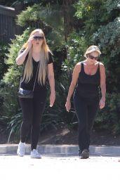 Amanda Bynes - Hike in North Hollywood 4/20/2017