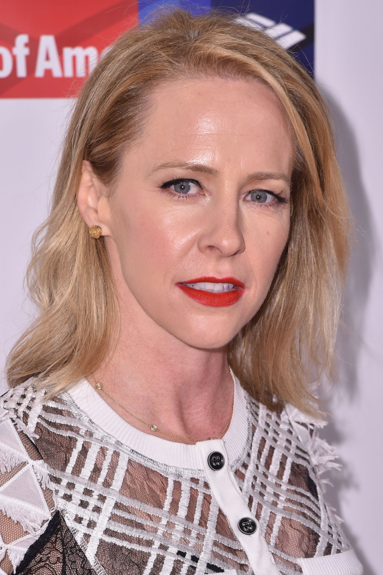 Watch Amy Hargreaves video