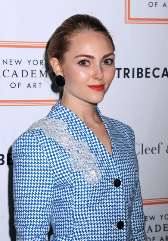 AnnaSophia Robb – New York Academy of Art: Tribeca Ball 4/3/2017