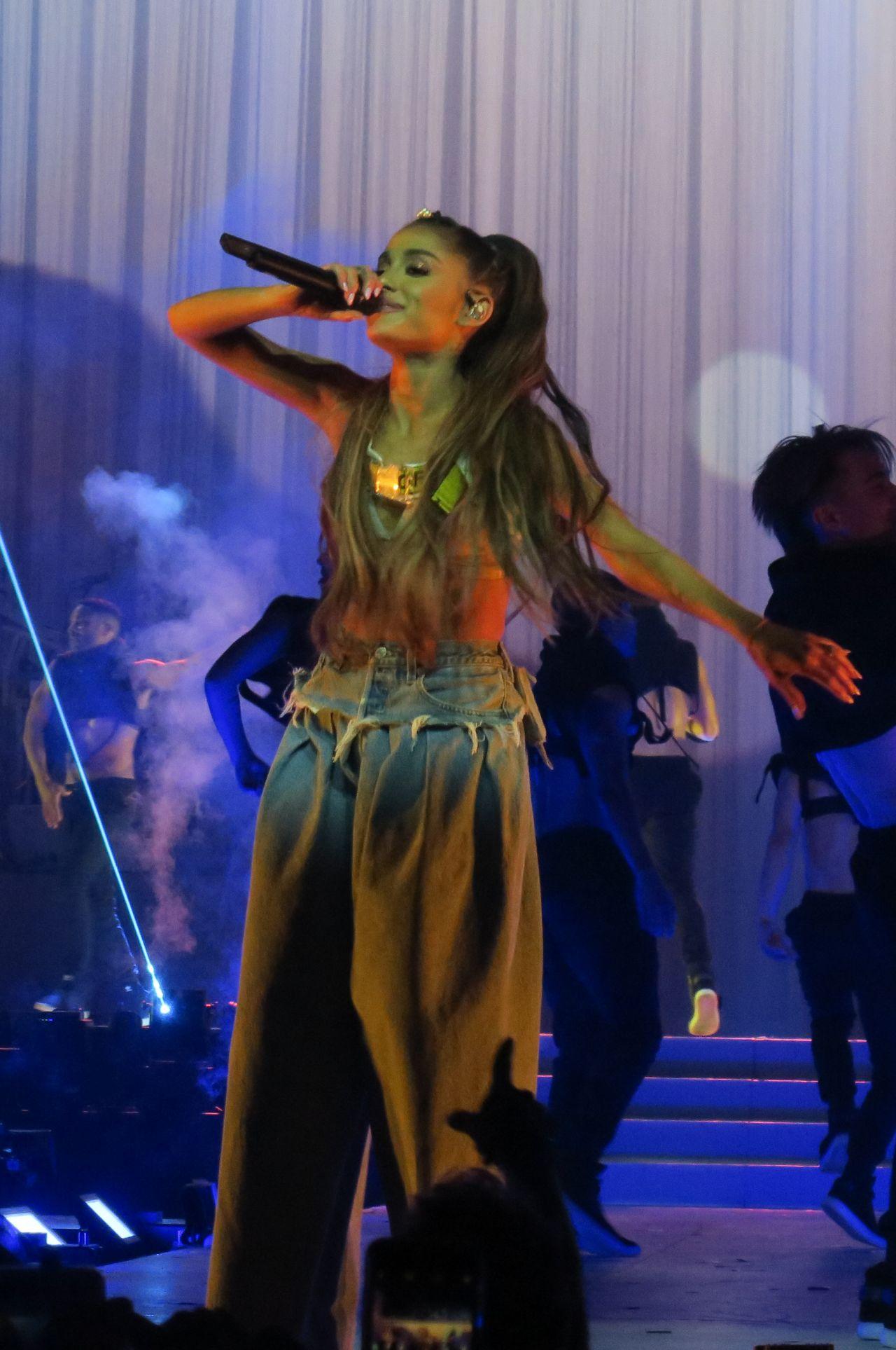 Ariana Grande  Dangerous Woman Audio
