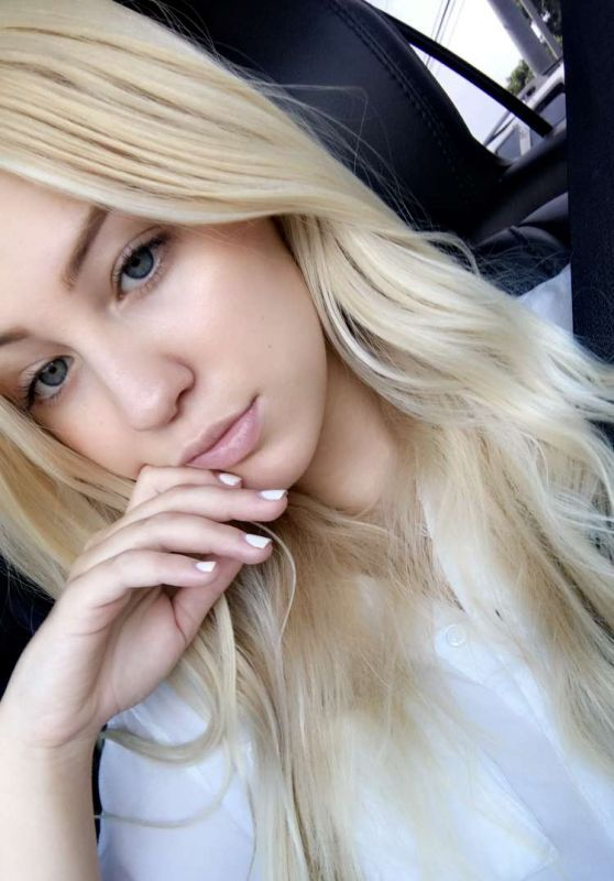 Ava Sambora Social Media Pics, April 2017