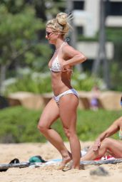 Britney Spears Beach Bikini Fun in Kauai, Hawaii, April 2017