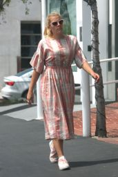 Busy Philipps - Enjoyed Lunch at Mauro