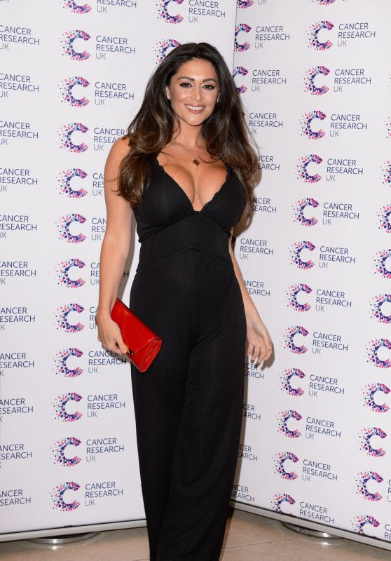 Casey Batchelor – Jog On To Cancer Charity Event in London 4/12/2017