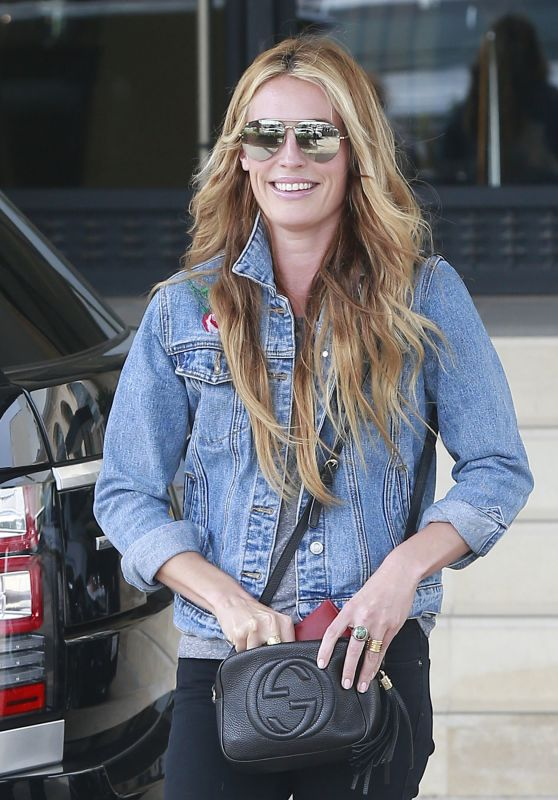 Cat Deeley Casual Style - Shopping at Barney