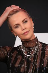"Charlize Theron – ""Fate of the Furious"" Pemiere in New York 4/8/2017"