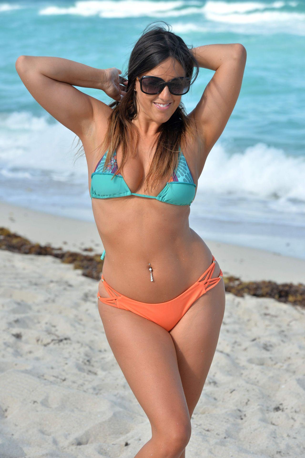 Claudia Romani Bikini Nude Photos 41