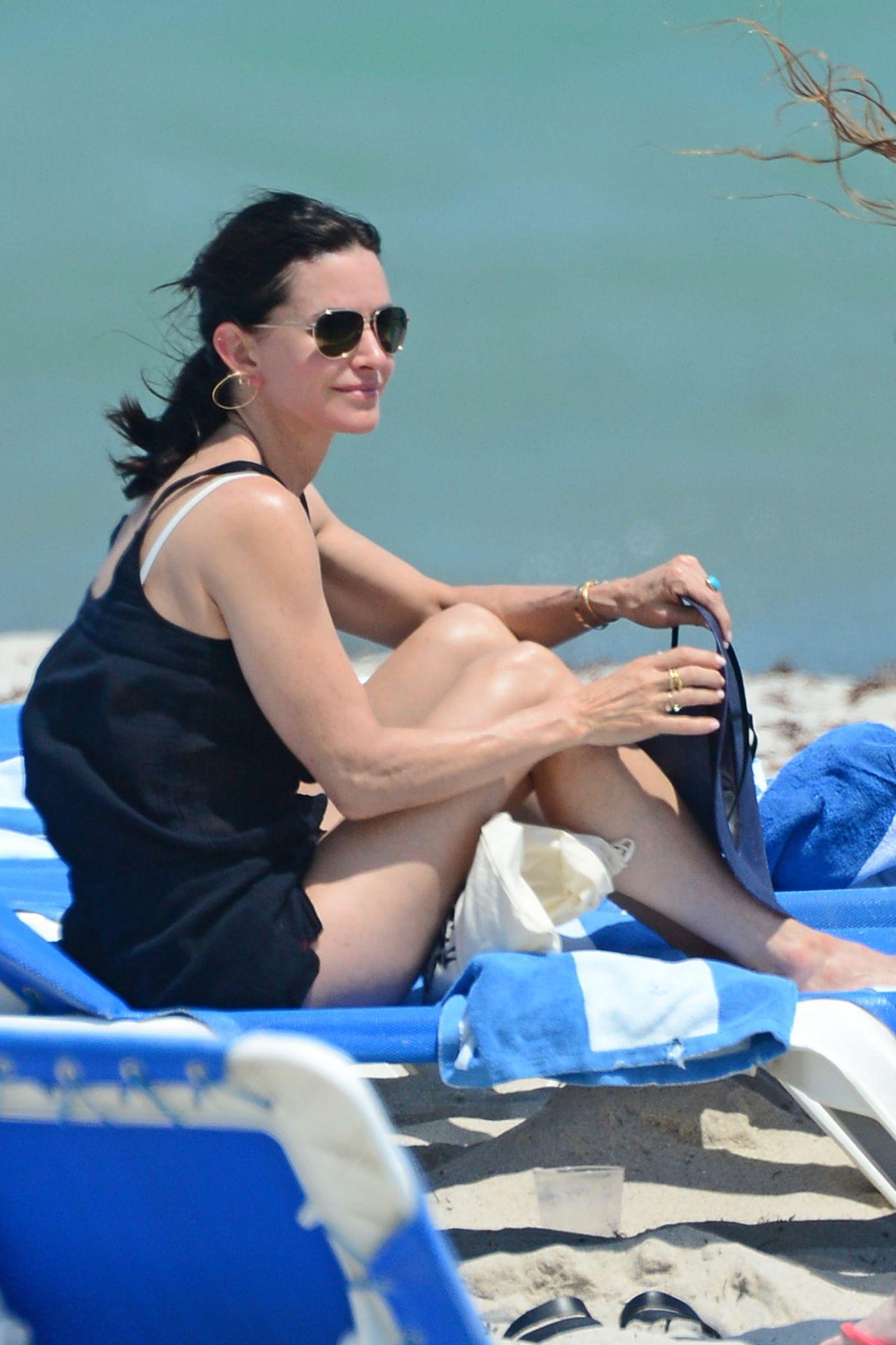 Courteney cox arquette bikini