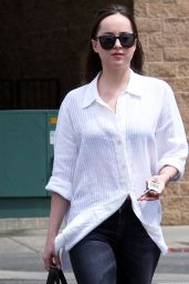 Dakota Johnson - Lunching With Girlfriend in West Hollywood 4/17/2017