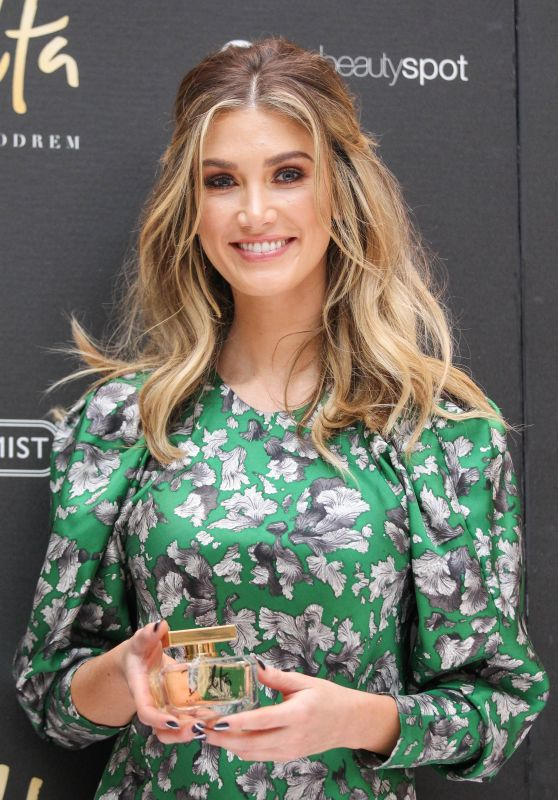"Delta Goodrem - Launch for Her New Perfume ""Delta"" in Melbourne 4/11/2017"