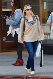 Elisha Cuthbert Casual Style - Shopping in Beverly Hills 04/24/2017