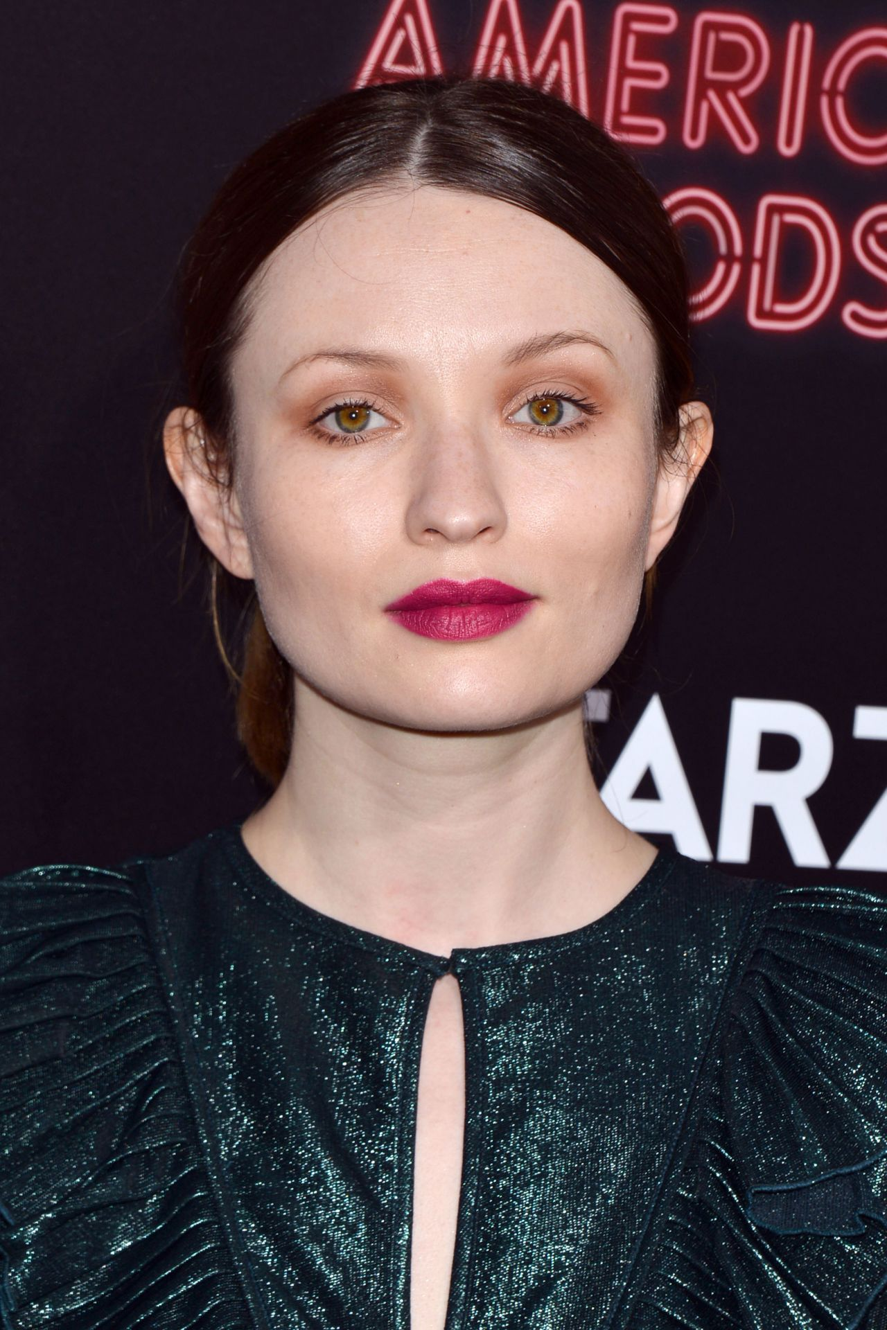 emily browning 2017 - photo #20