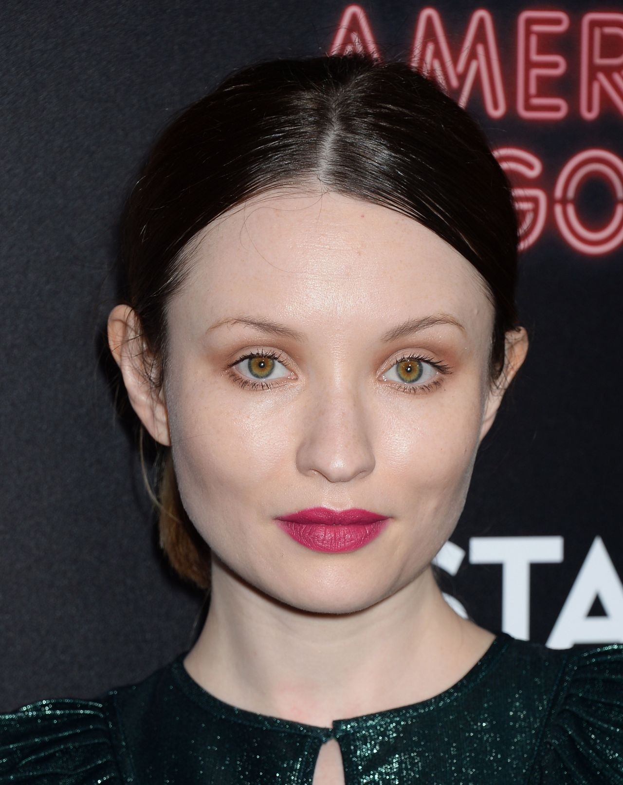 emily browning 2017 - photo #16