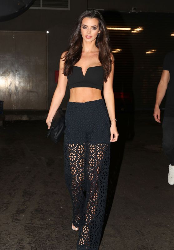 "Emma McVey - Arriving at the Famous Eatery ""Mr Wong"" in Sydney 4/4/2017"