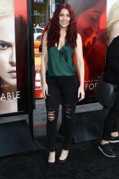 """Erin Robinson – """"Unforgettable"""" Premiere in LA 4/18/2017"""