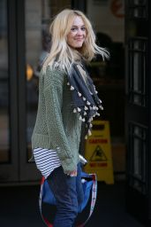 Fearne Cotton Street Style - Arriving at BBC Radio Two Studios in London 4/3/2017