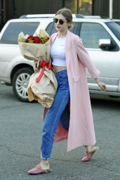 Gigi Hadid Holding a Bouquet of Roses - Celebrating Her 22nd Birthday in NYC 4/23/2017