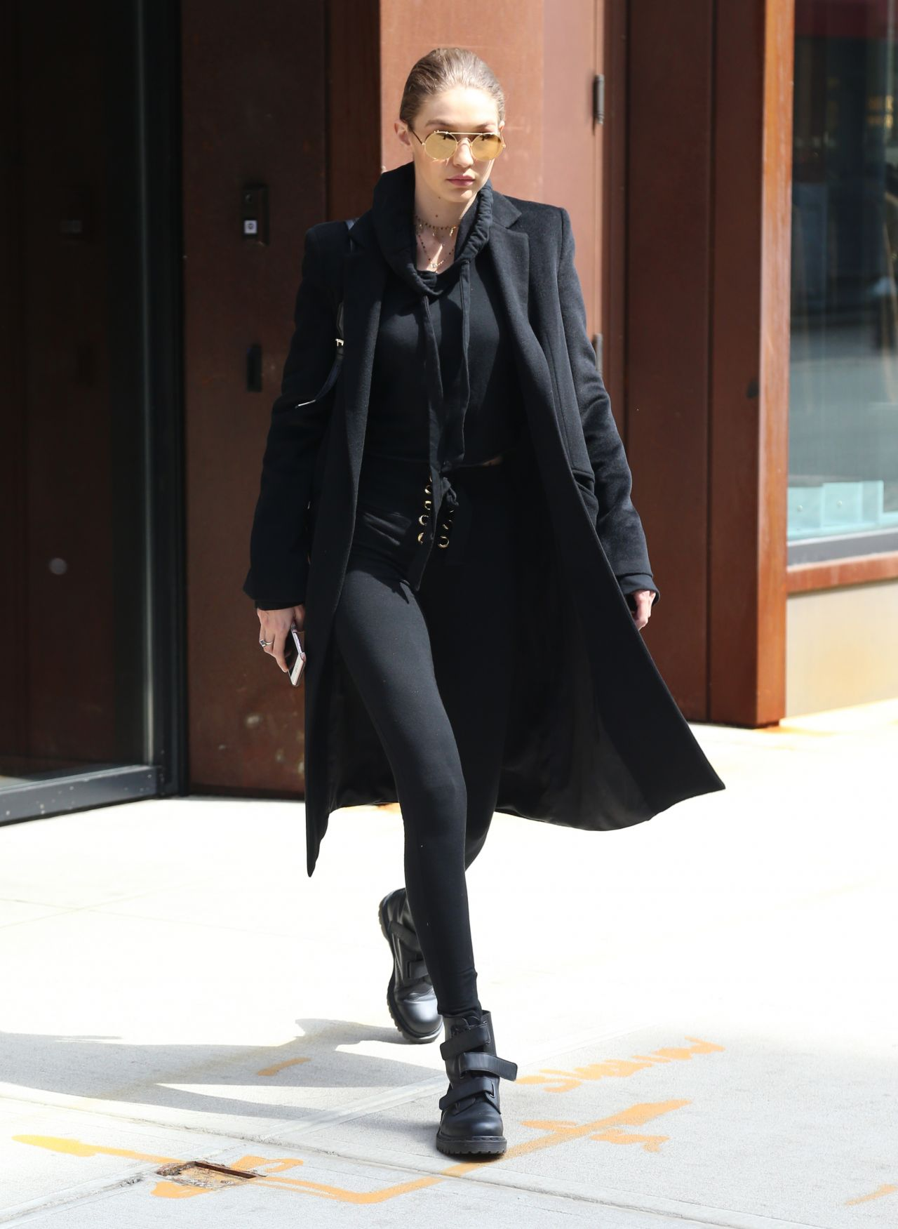 Gigi hadid in all black ensemble out in new york nude (71 photo), Paparazzi Celebrites photo