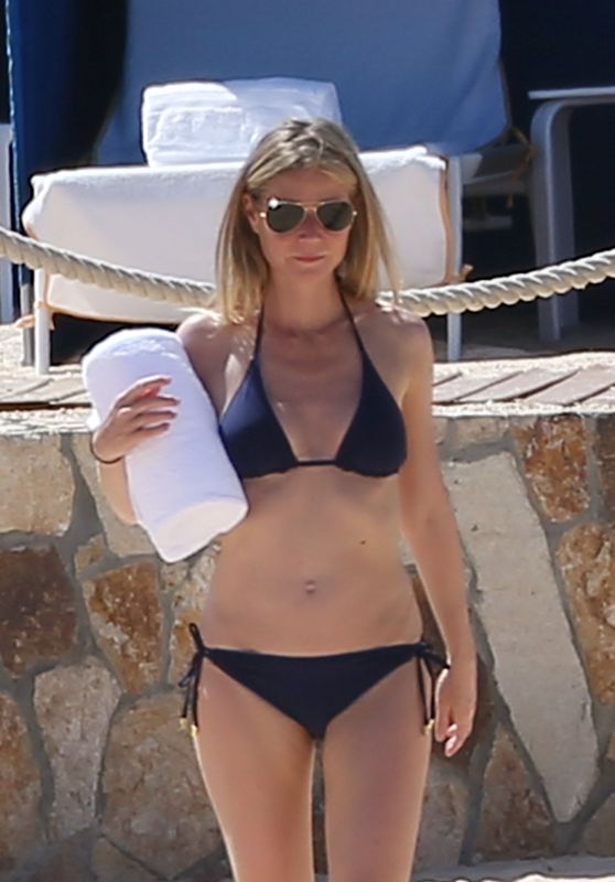 Gwyneth Paltrow in Bikini at a Beach in Cabo San Lucas Mexico 4/2/2017