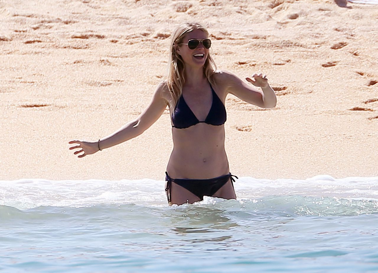 Gwyneth Paltrow In Bikini At A Beach In Cabo San Lucas