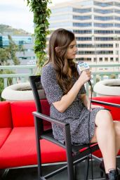Hailee Steinfeld Talks With Kevin Manno at 104.3 MYfm Balcony in LA 04/27/2017