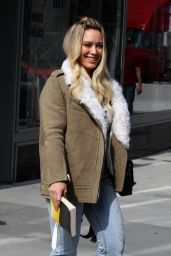 "Hilary Duff at the ""Younger"" set at the CUNY School of Law in Queens, NYC 4/20/2017"