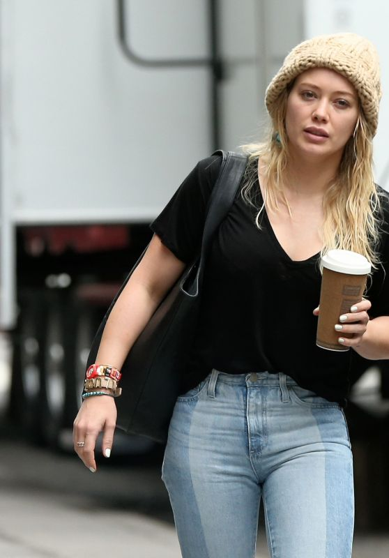 "Hilary Duff on the Set of ""Younger"" in New York 4/17/2017"