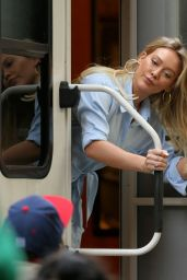 "Hilary Duff Peeks Out of Her Trailer - ""Younger"" Set in New York 4/4/2017"