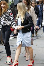 """Hilary Duff - """"Younger"""" Set in Bryant Park, New York City 04/24/2017"""