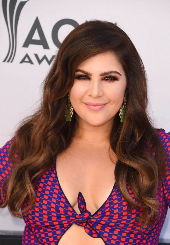 Hillary Scott Latest P...