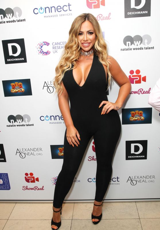 Holly Hagan – Jog On To Cancer Charity Event in London 4/12/2017