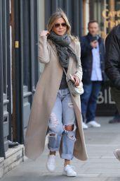 Jennifer Aniston Street Style - Shopping in Paris 4/14/2017