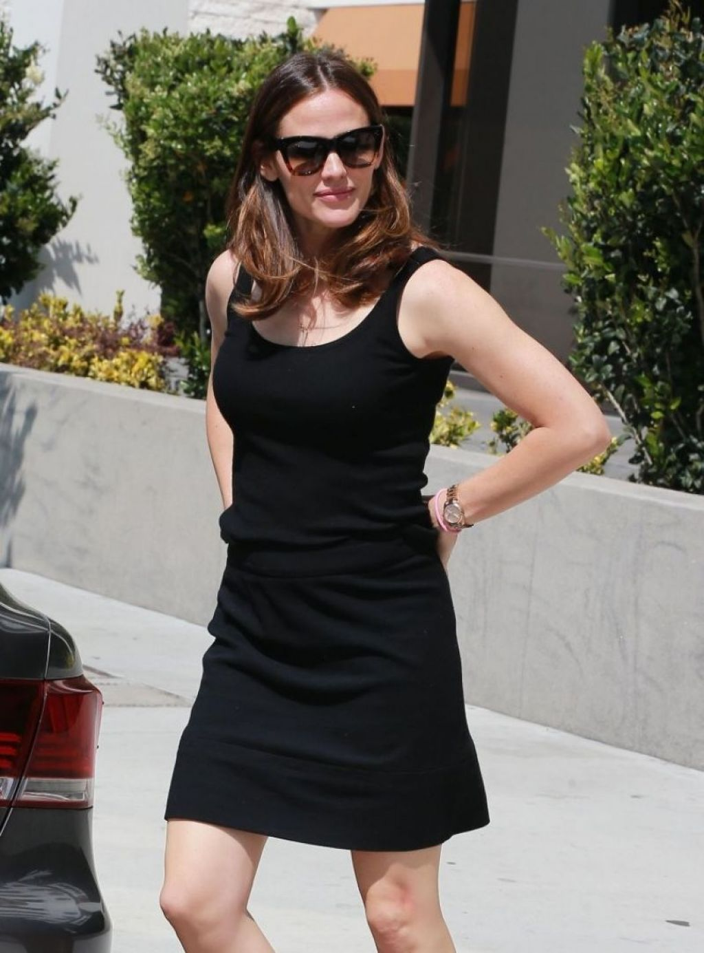 Watch Jennifer garner in black mini skirt brentwood video