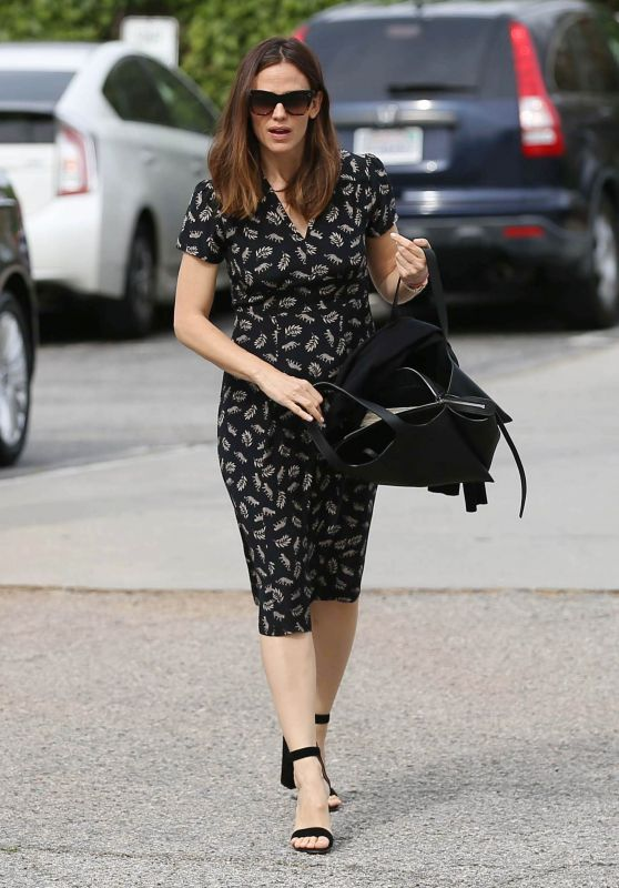 Jennifer Garner Spring Ideas - Los Angeles 4/9/2017