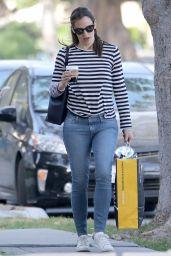 Jennifer Garner Starts Busy Into Her Morning in Brentwood 04/25/2017