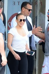 Jennifer Lopez - Leaving her Miami gym With Boyfriend Arod 4/22/2017